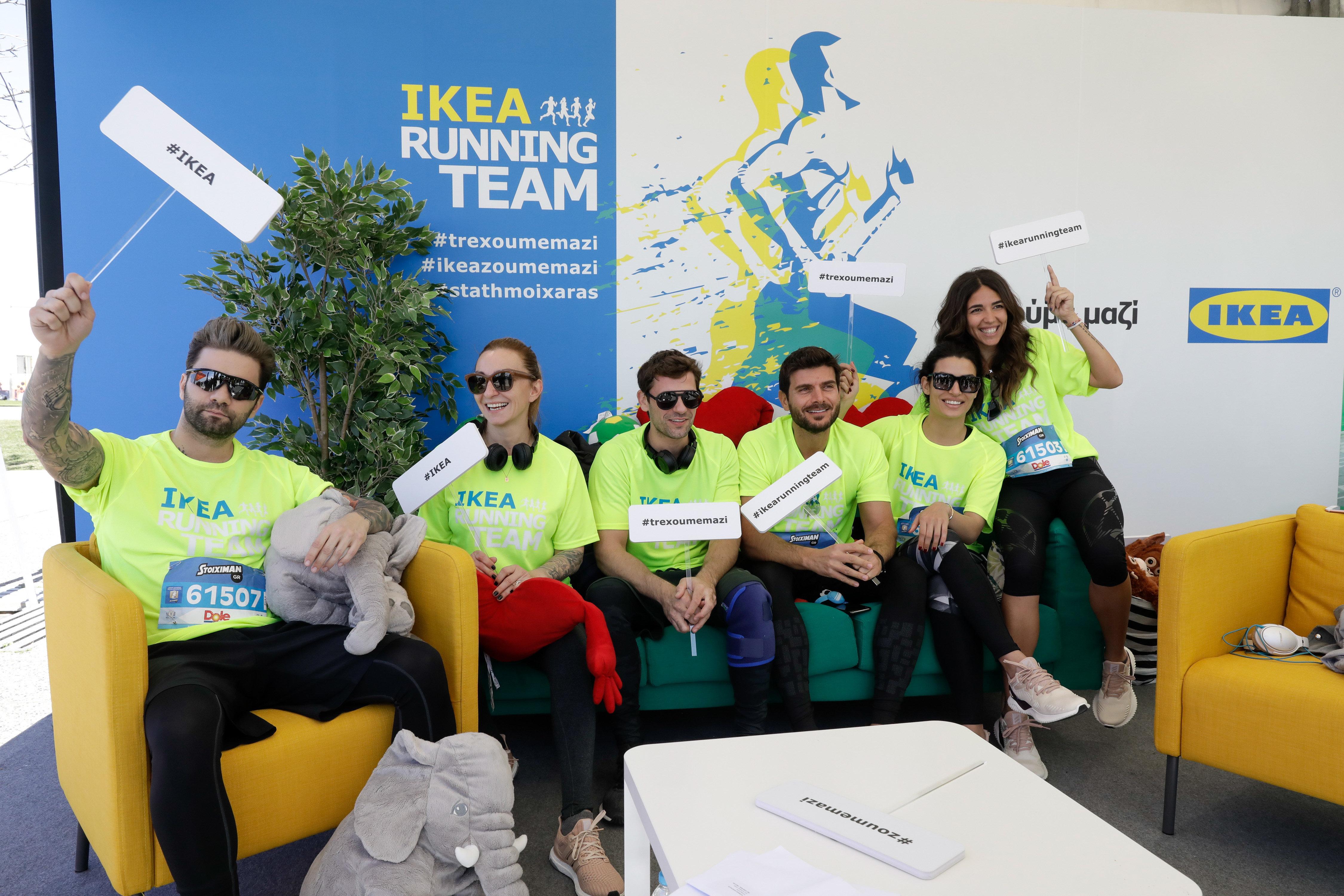 H στιγμή του τερματισμού στον Μαραθώνιο της Θεσσαλονίκης παρέα με την πιο κεφάτη running