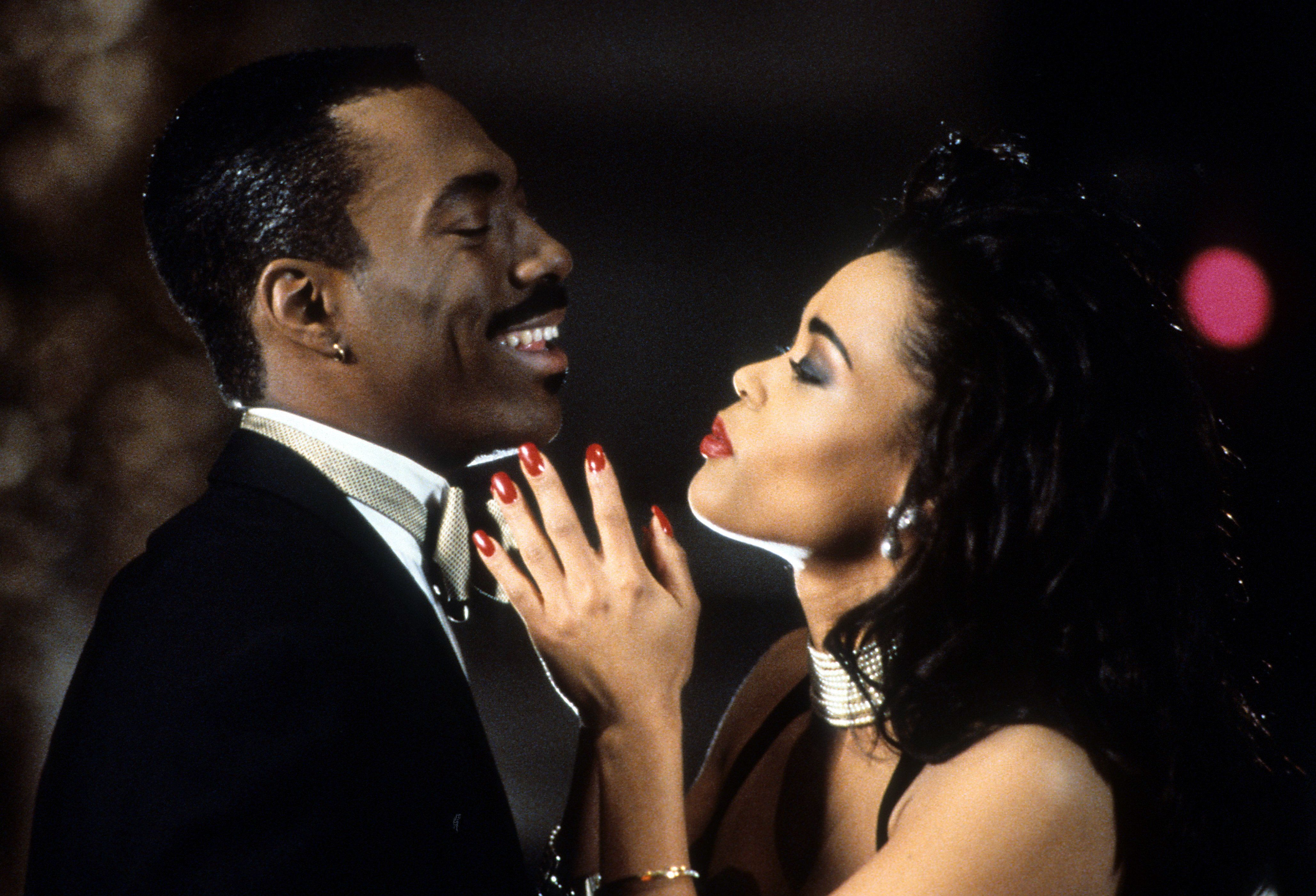Eddie Murphy and Robin Givens in a scene from the film 'Boomerang', 1992. (Photo by Paramount Pictures/Getty Images)
