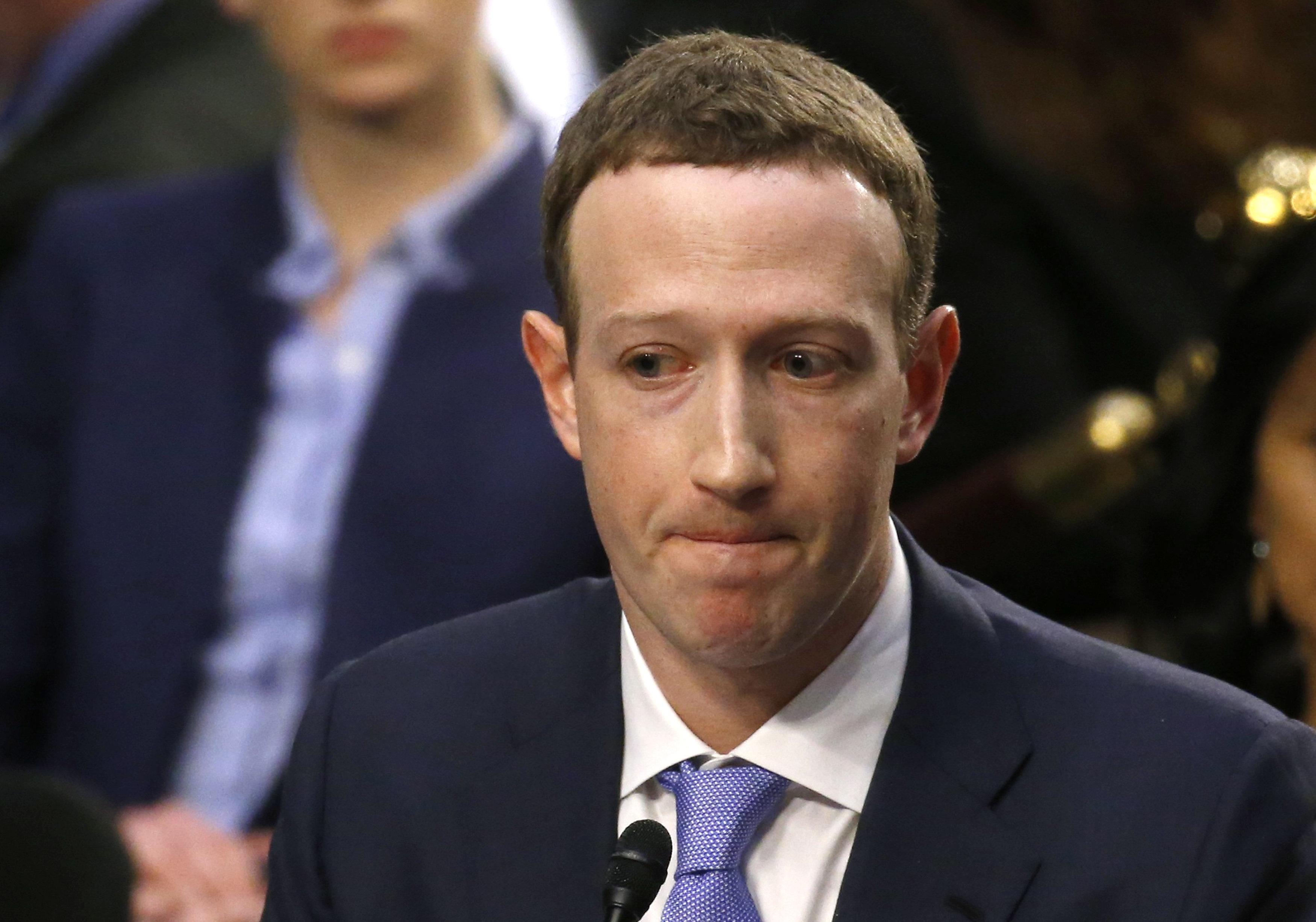Οι αντιδράσεις του Twitter για την ακρόαση του Mr. Facebook: Τα αστεία, οι κατηγορίες και οι εξωγήινες