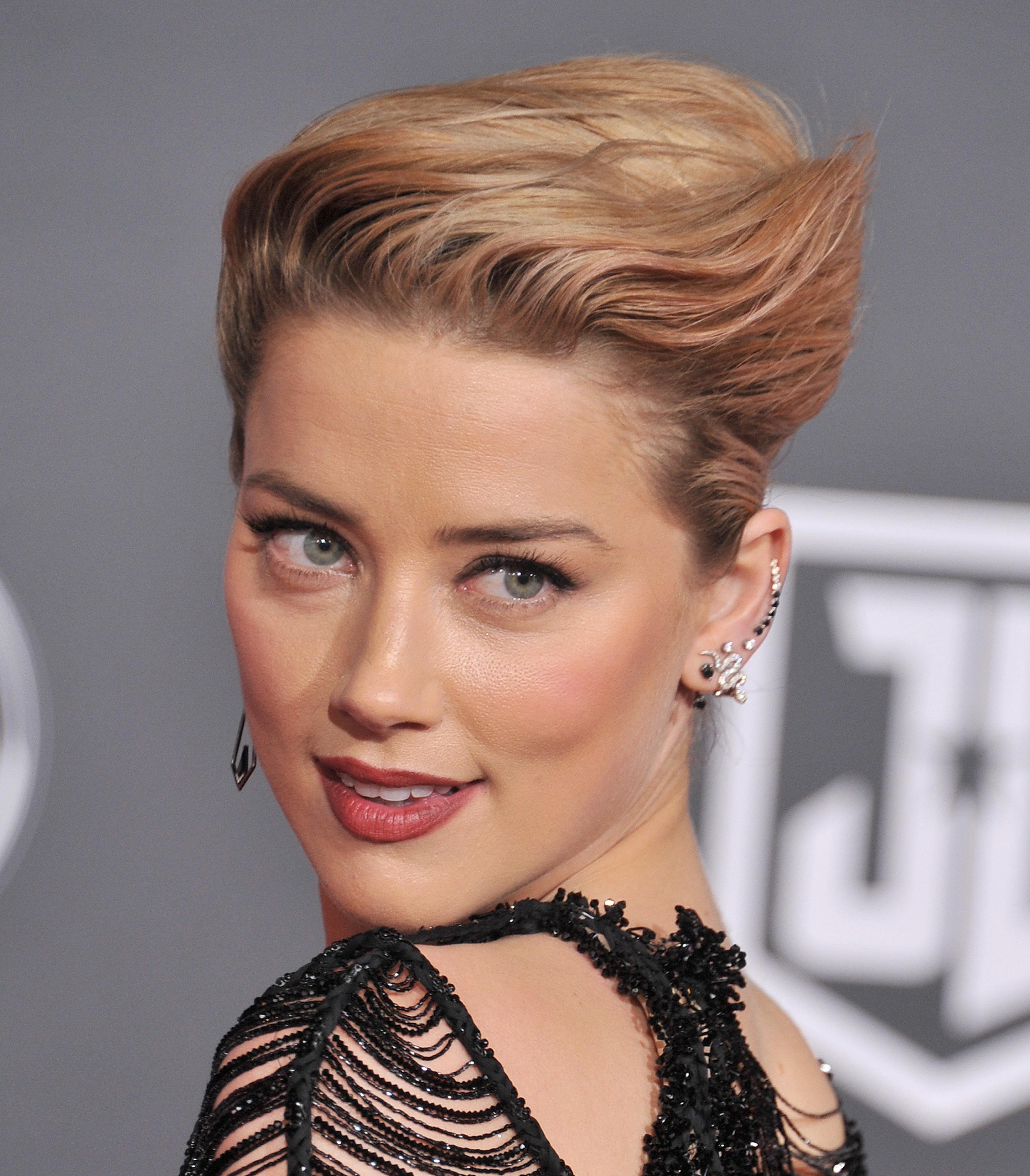 Η αδιάβλητη Amber Heard; Η πρώην σύζυγος του Johnny Depp δώρισε όλα τα χρήματα του διαζυγίου