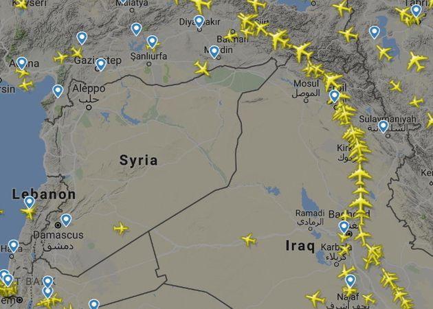 유럽을 오가는 민간 비행기들이 시리아를 우회하는 모습. 그러나 이건 시리아 내전 발발 이후 계속되어 왔던
