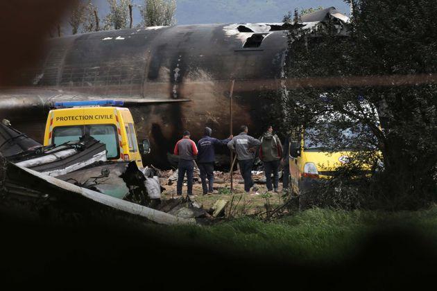Crash de l'avion militaire: le Président Bouteflika exprime ses condoléances aux familles des