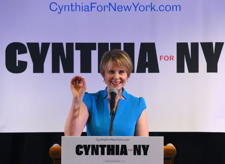Cynthia Nixon speaks to people at the Bethesda Healing Center in Brooklyn, New York, on March 20, 2018.