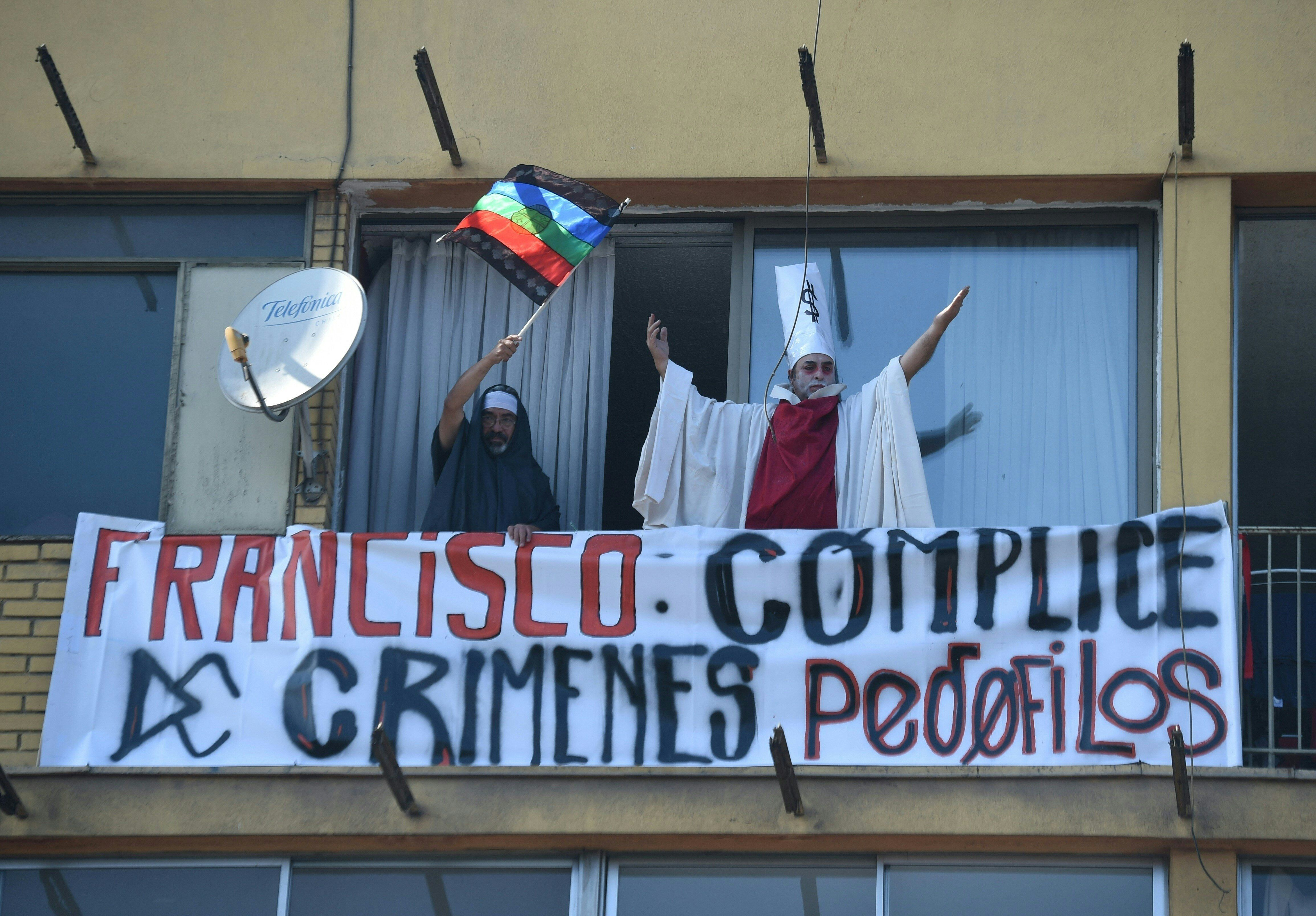 People demonstrate against Pope Francis&#39 visit to Chile