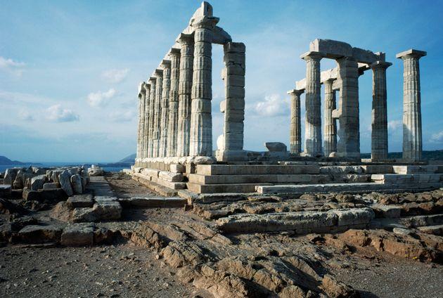 Ολοκληρώνονται σήμερα τα γυρίσματα της «Μικρής Τυμπανίστριας» στον Ναό του Ποσειδώνα στο