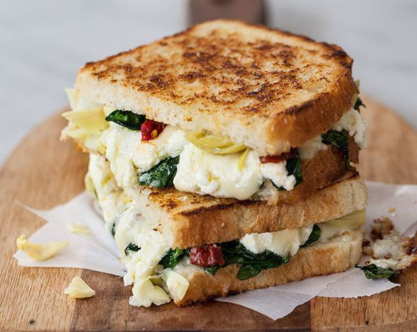 """<strong>Get the&nbsp;<a href=""""https://www.foodiecrush.com/spinach-and-artichoke-grilled-cheese-and-grilled-cheese-academy-con"""