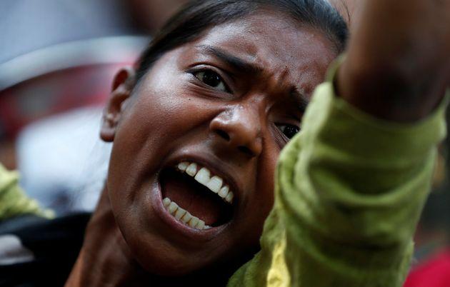 Πόσοι ακόμα βιασμοί στην Ινδία; Οι γυναίκες της χώρας βγαίνουν στους δρόμους με αφορμή πρόσφατο περιστατικό...