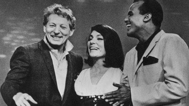 «Sing you Song»: Δύο προβολές για τον τραγουδιστή Χάρυ Μπελαφόντε, παρουσία της Νάνας