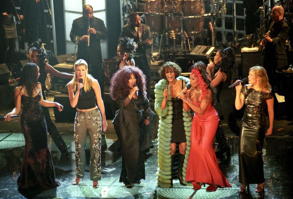 "Brandy, Faith Hill, Chaka Khan, Whitney Houston, Mary J. Blige and LeAnn Rimes at ""Divas Live '99."""