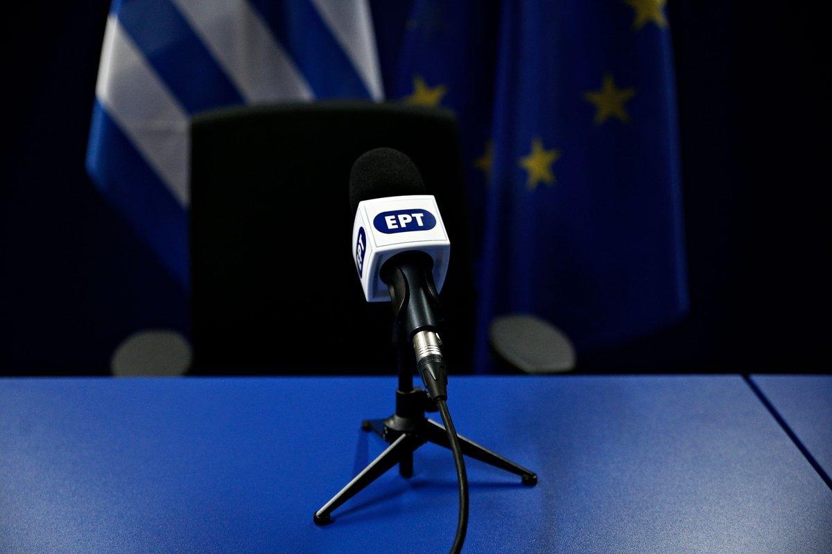 Πολιτικές παρεμβάσεις, αδιαφάνεια και εκβιασμούς καταγγέλλουν δημοσιογράφοι της
