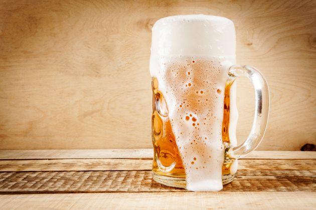 '일주일에 맥주 5잔만 마셔도 수명 단축될 수
