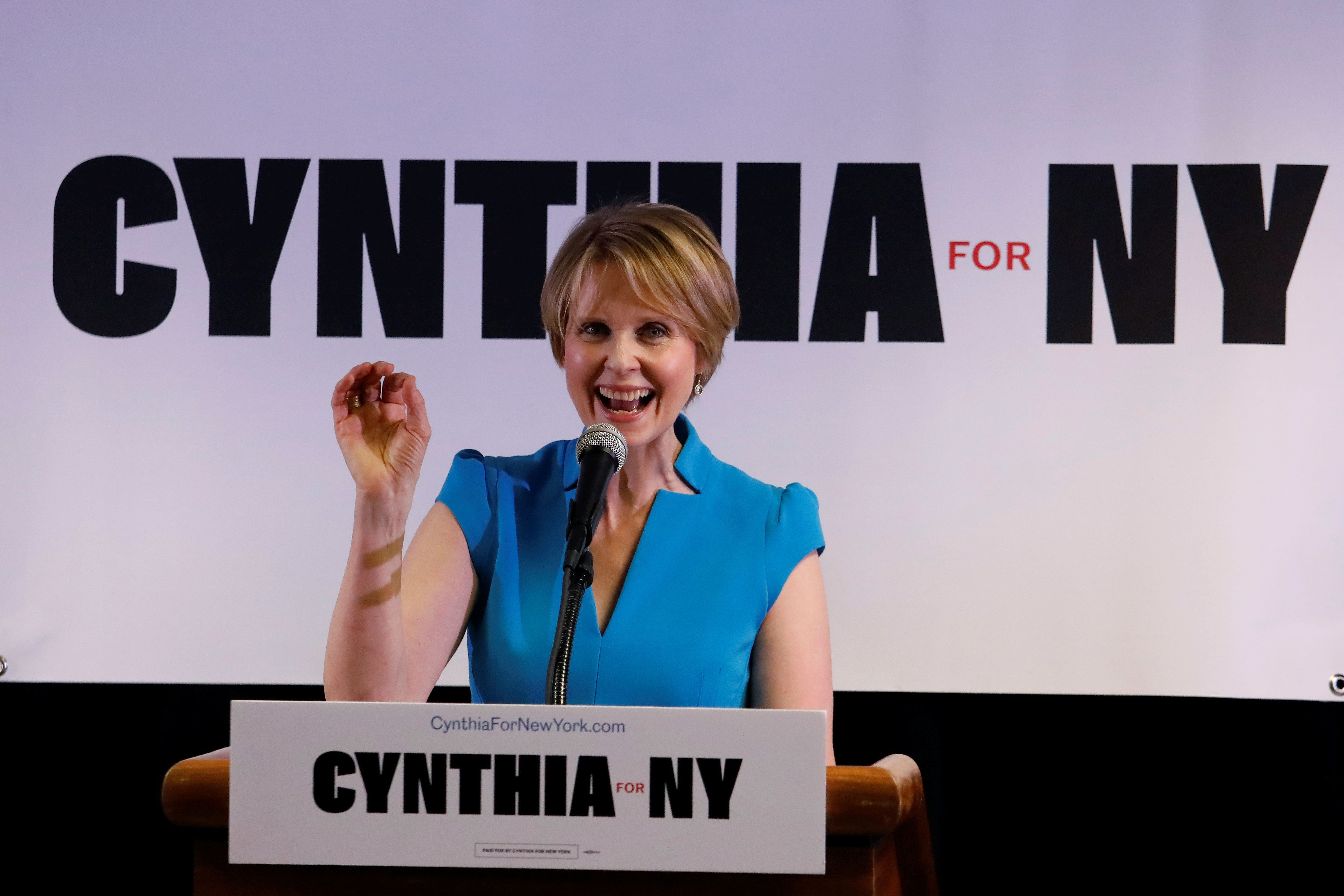 Actress Cynthia Nixon announces that she is running for Governor of New York at a campaign stop in Brooklyn, New York, U.S., March 20, 2018. REUTERS/Shannon Stapleton
