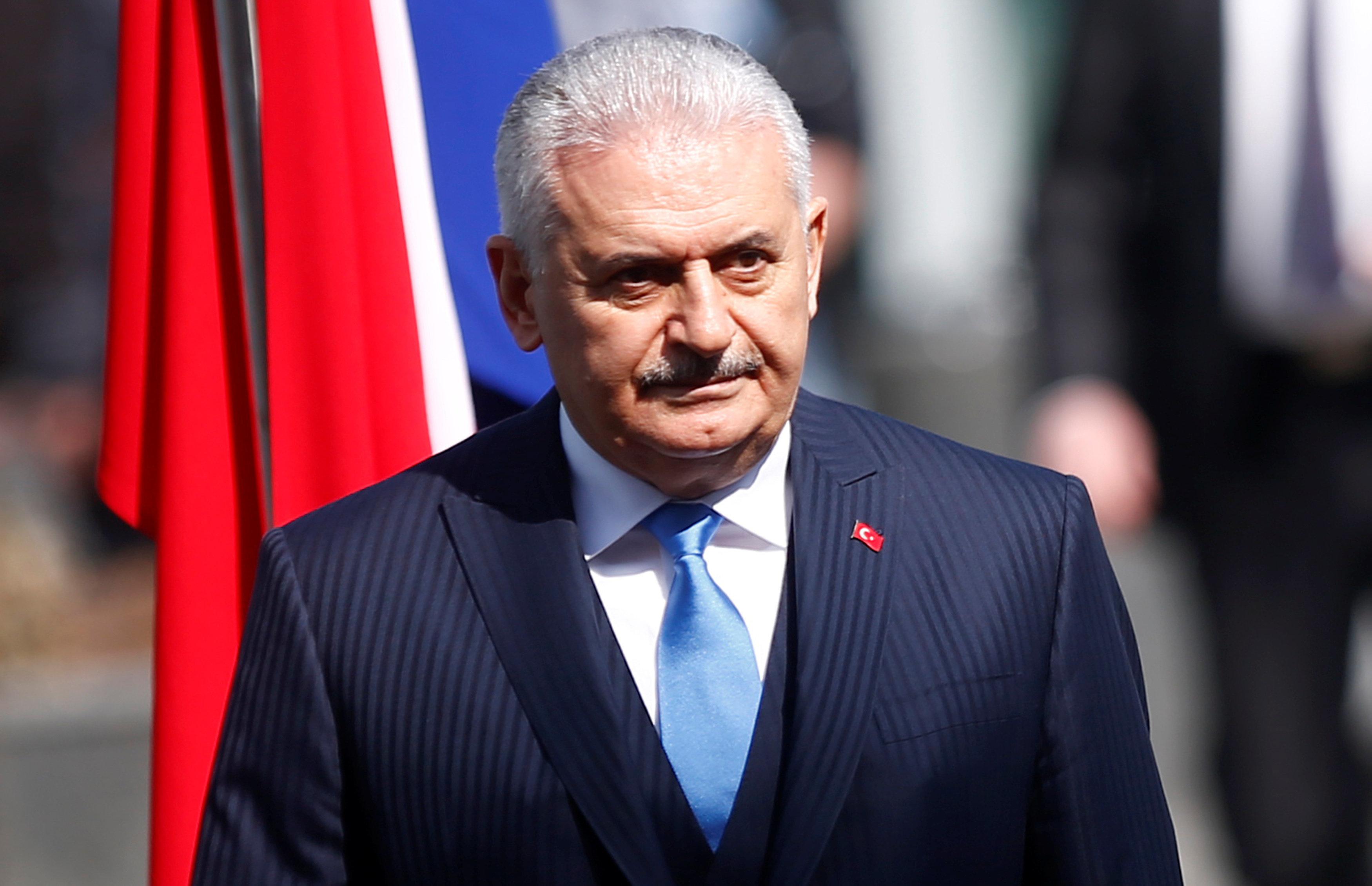 Η Τουρκική Ακτοφυλακή κατέβασε την ελληνική σημαία από τη βραχονησίδα «Μικρός Ανθρωποφάς», λέει ο Γιλντιρίμ. Το ΥΕΘΑ δεν επιβεβαιώνει