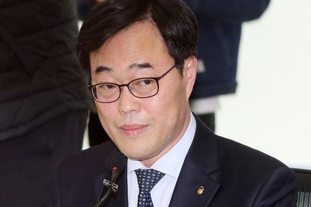 '피감기관 지원 해외출장' 김기식 금감원장이 사의를