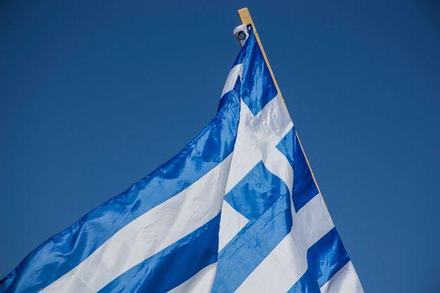 Δήμαρχος Φούρνων: Η ελληνική σημαία στη βραχονησίδα «Μικρός Ανθρωποφάς» κυματίζει