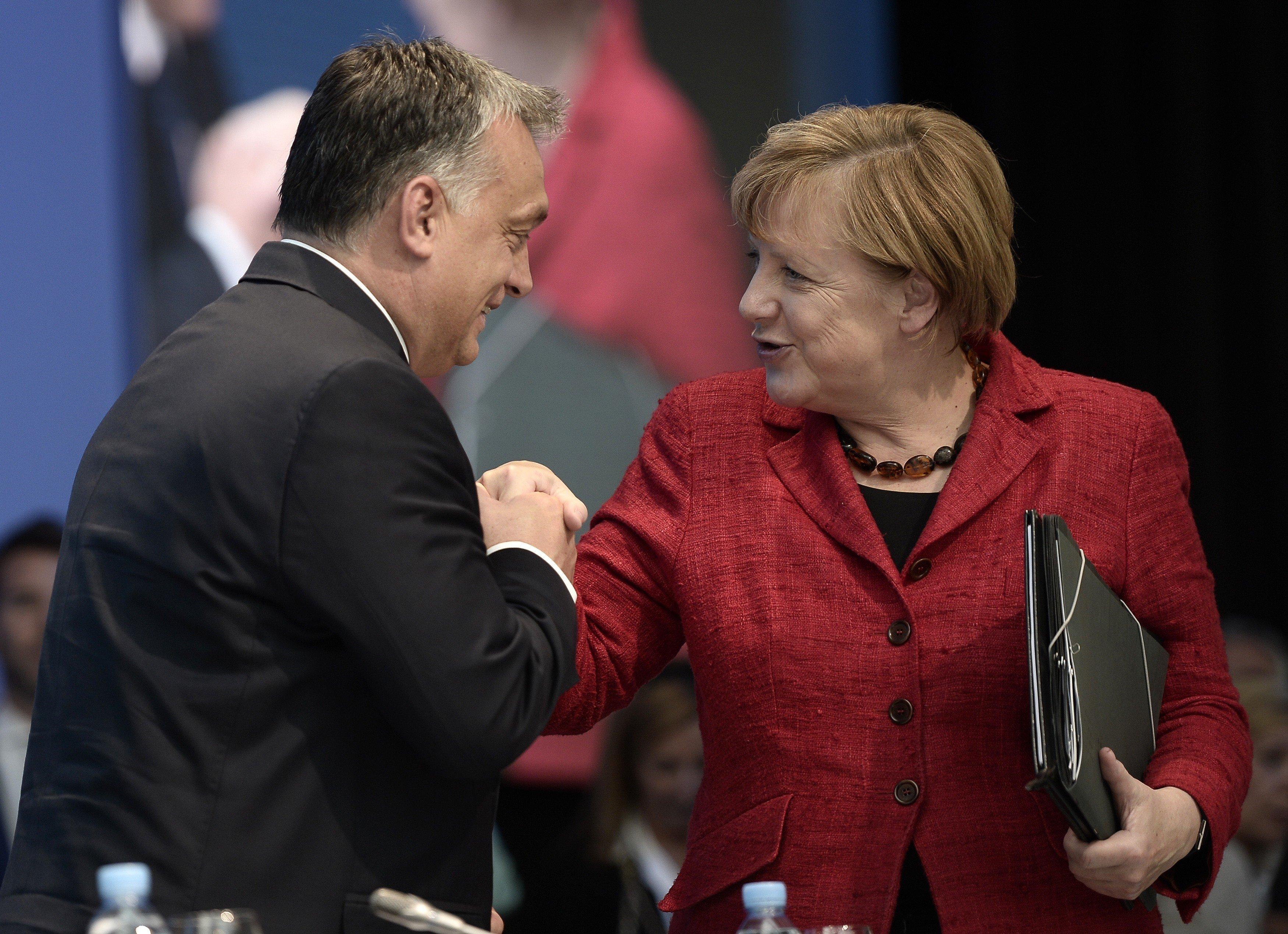 """""""Merkels beschämendes Schweigen"""": Journalisten rechnen in offenem Brief mit der Kanzlerin ab"""