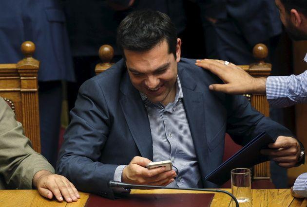 Τσίπρας vs Τρυντώ: Social Media - Ο κόμπος δεν βρίσκεται στη