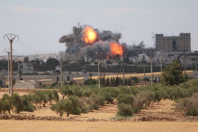 Συρία: Βομβαρδισμοί σε «θύλακα τζιχαντιστών» νότια της