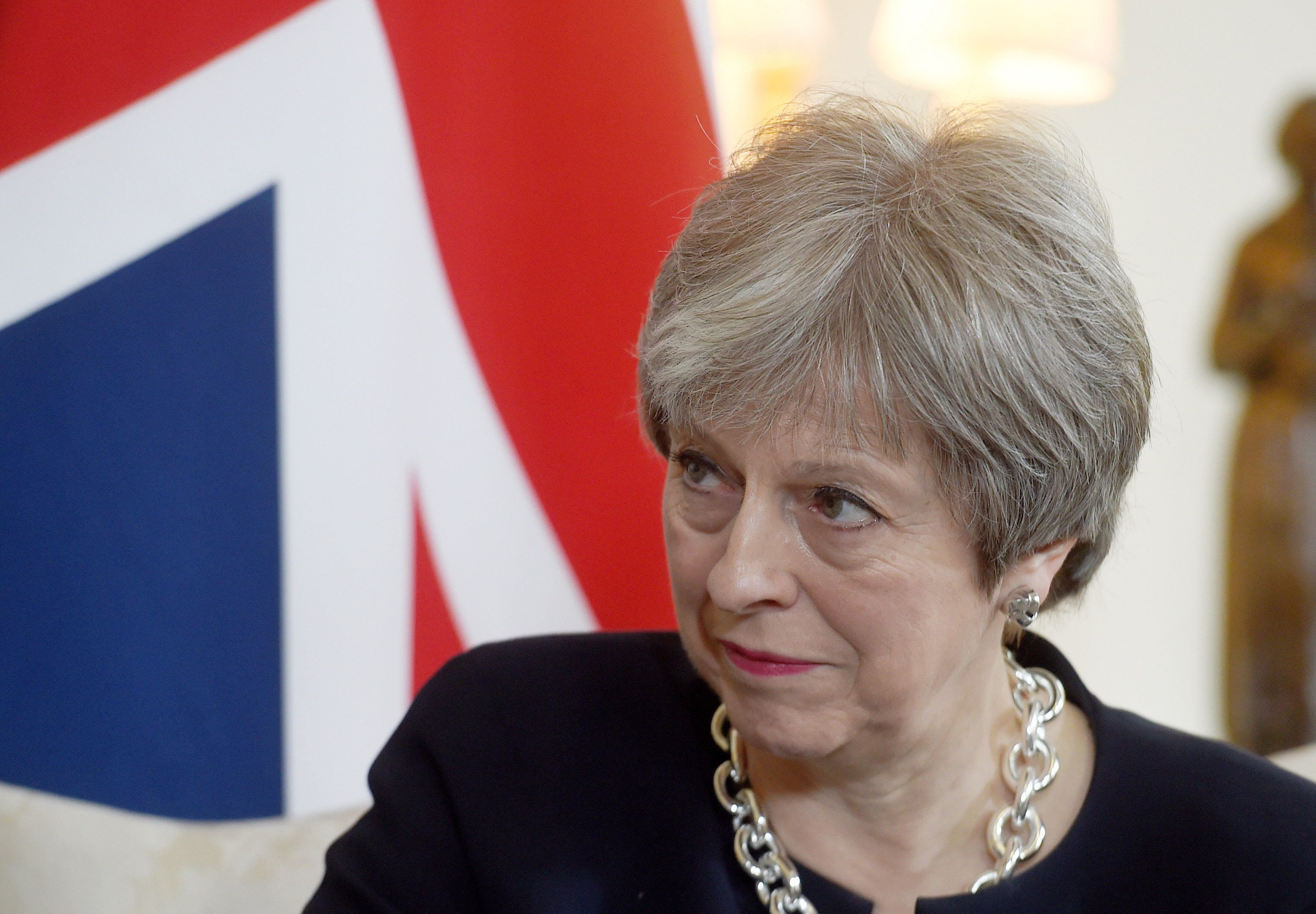 Theresa May Says Sorry To Caribbean Leaders Over Windrush Migrants