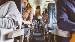 Frau trifft fremde Schwangere in Flugzeug – dann ändert sich das Leben der beiden für