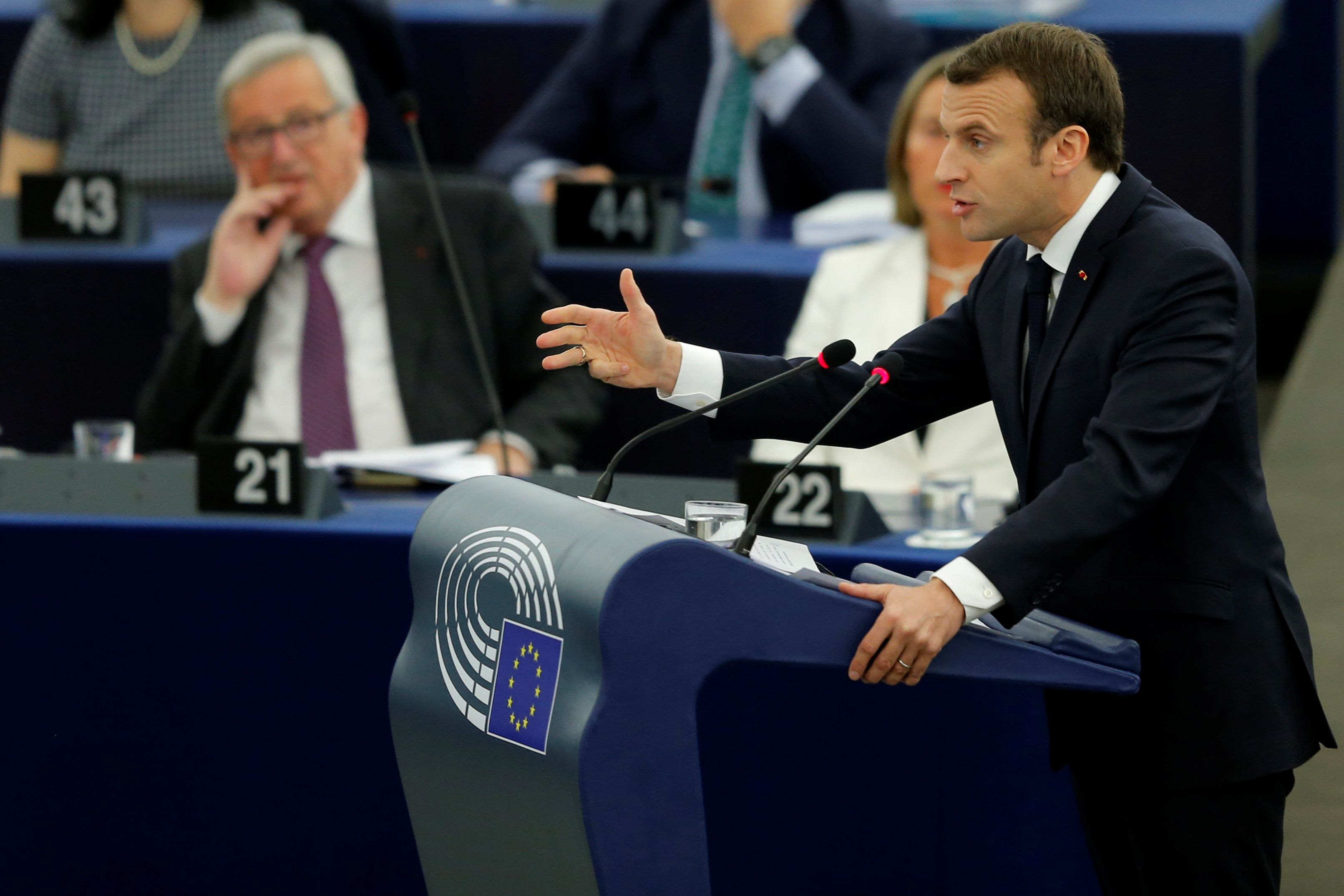 Macron: les frappes en Syrie