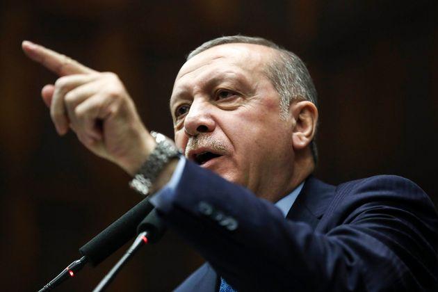Ο Μπαχτσελί ζήτησε πρόωρες εκλογές και ο Ερντογάν του