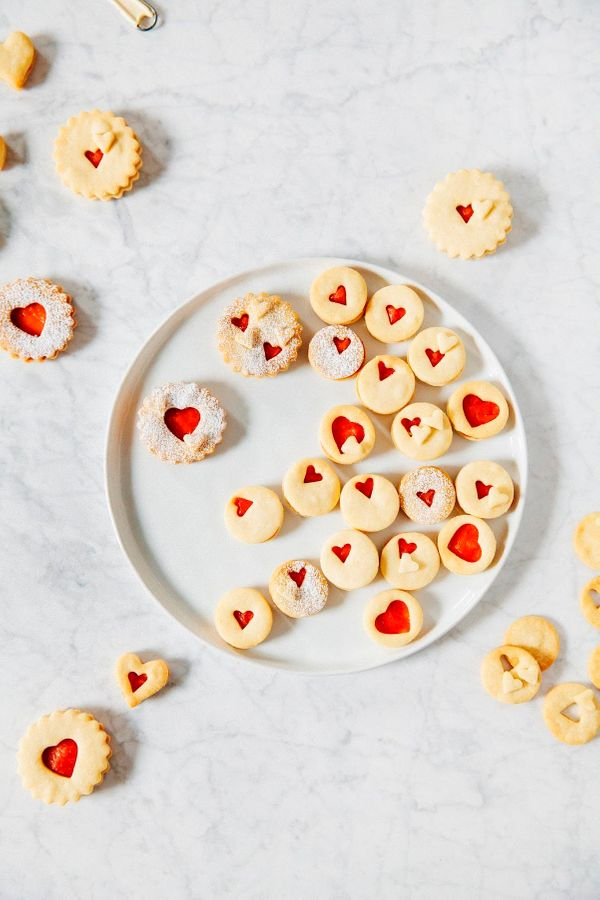 "<strong>Get the <a href=""http://www.hummingbirdhigh.com/2017/02/blood-orange-curd-linzer-cookies.html"" target=""_blank"">Blood"