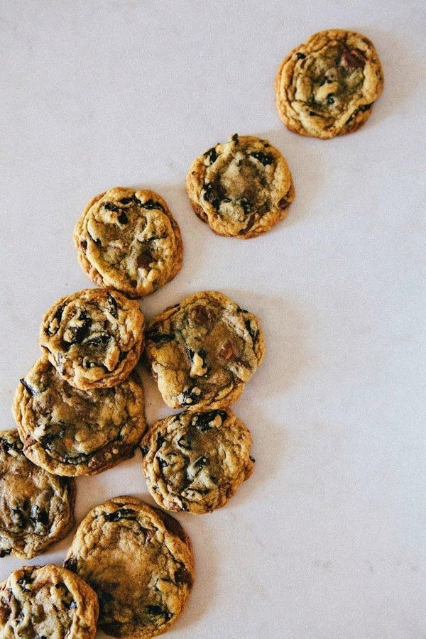 """<strong>Get the <a href=""""http://www.hummingbirdhigh.com/2014/09/chocolate-chip-and-peanut-butter-cup.html"""" target=""""_blank"""">Ch"""