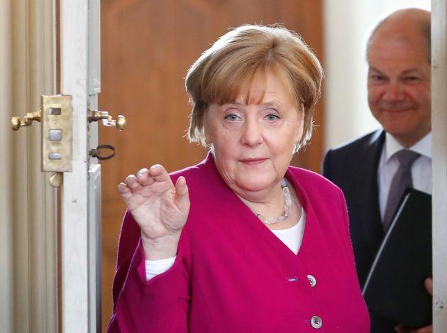 Μέρκελ: Απαραίτητες αλλαγές στις Συνθήκες και έγκριση της Bundestag για την μετεξέλιξη του ESM σε νομισματικό