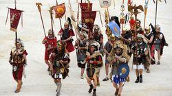 Ο Σπάρτακος ζει και δίνει αγώνες στη Γαλλία: Φωτογραφίες από το μεγαλύτερο ευρωπαϊκό φεστιβάλ αναβίωσης αρχαίων ρωμαϊκών
