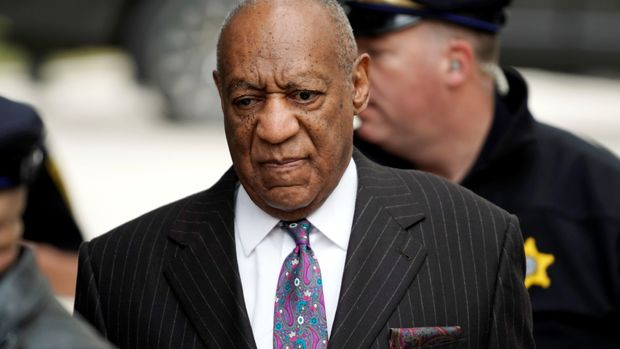 Actor and comedian Bill Cosby arrives for the first day of his sexual assault retrial at the Montgomery County Courthouse in Norristown, Pennsylvania, U.S., April 9, 2018.  REUTERS/Jessica Kourkounis