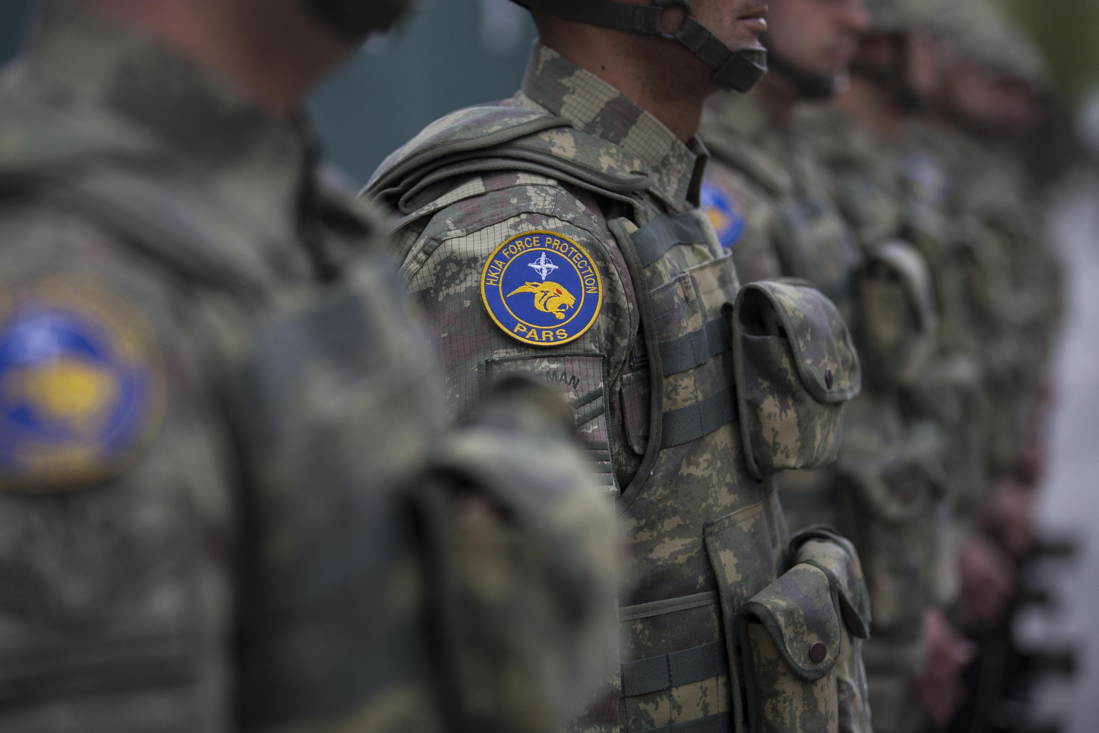 Απομακρύνονται 3.000 μέλη των τουρκικών ενόπλων δυνάμεων που κατηγορούνται για διασυνδέσεις με τον