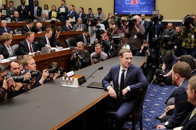Le fondateur et patron de Facebook, Mark Zuckerberg, devant le Congress américain le 11 avril