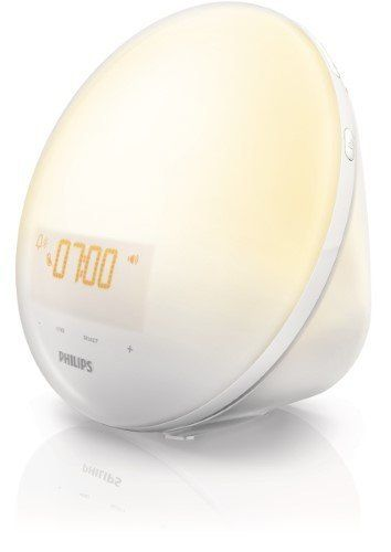 If mom is looking for a calmer morning routine, naturally wake her up with a sunrise alarm clock. Get this sunrise simulation