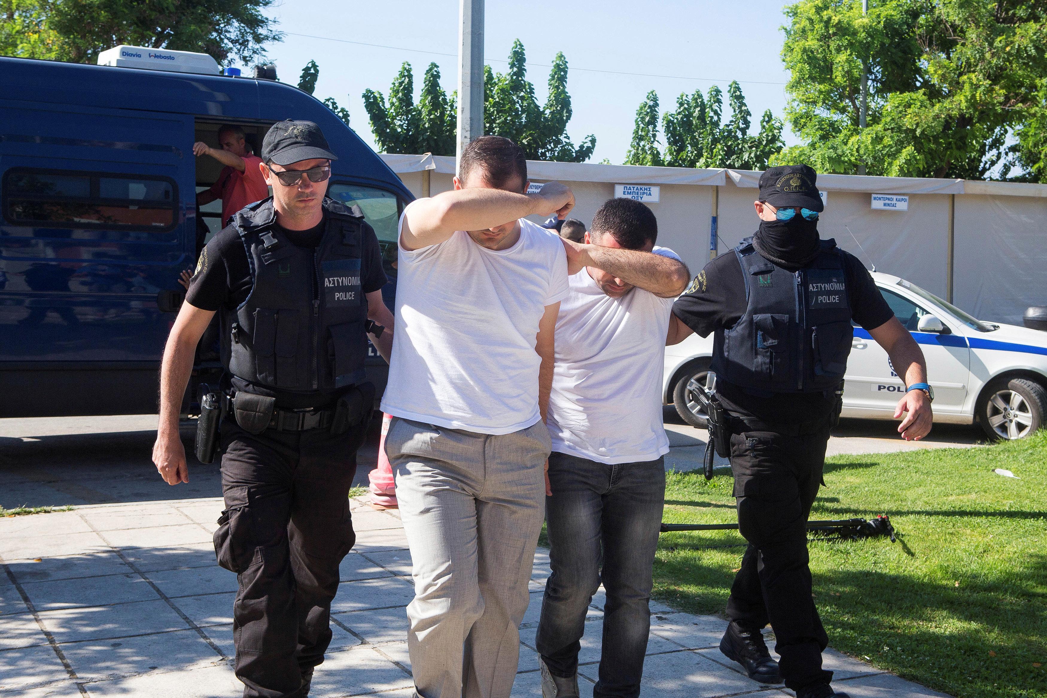Ελεύθερος ο ένας από τους οκτώ τούρκους αξιωματικούς με απόφαση του