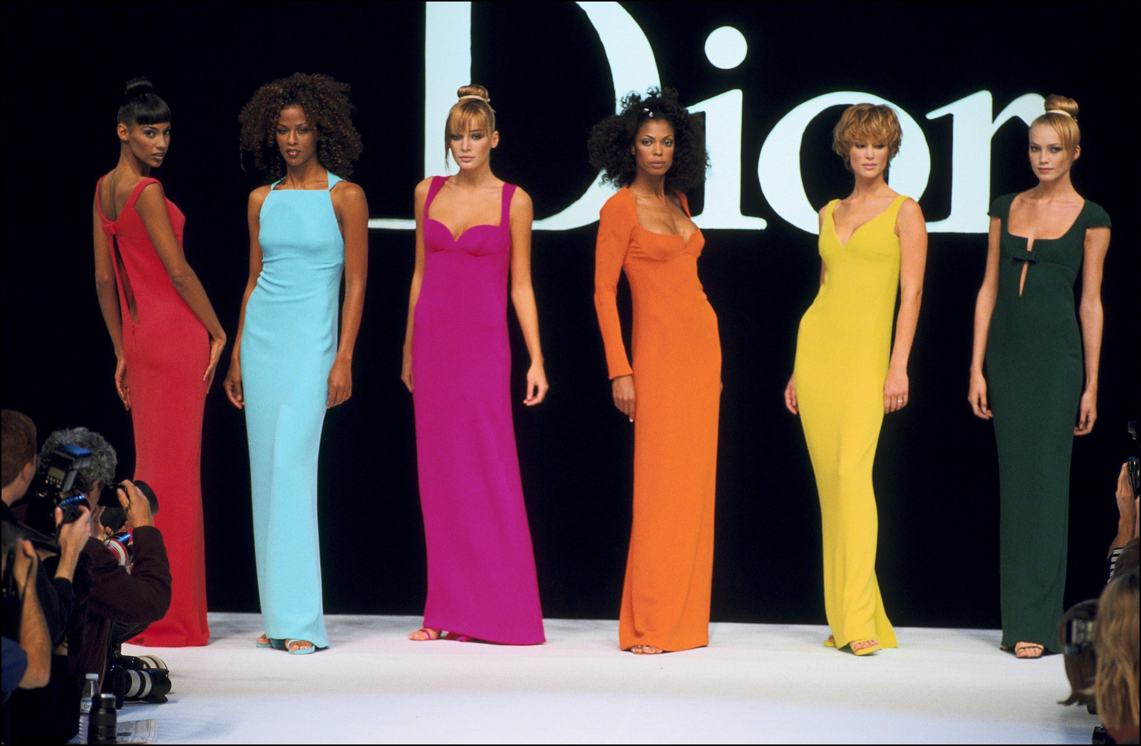 Στα άδυτα του μουσείου Dior: Γιατί το όνομα Christian Dior είναι το πιο πετυχημένο στην ιστορία της