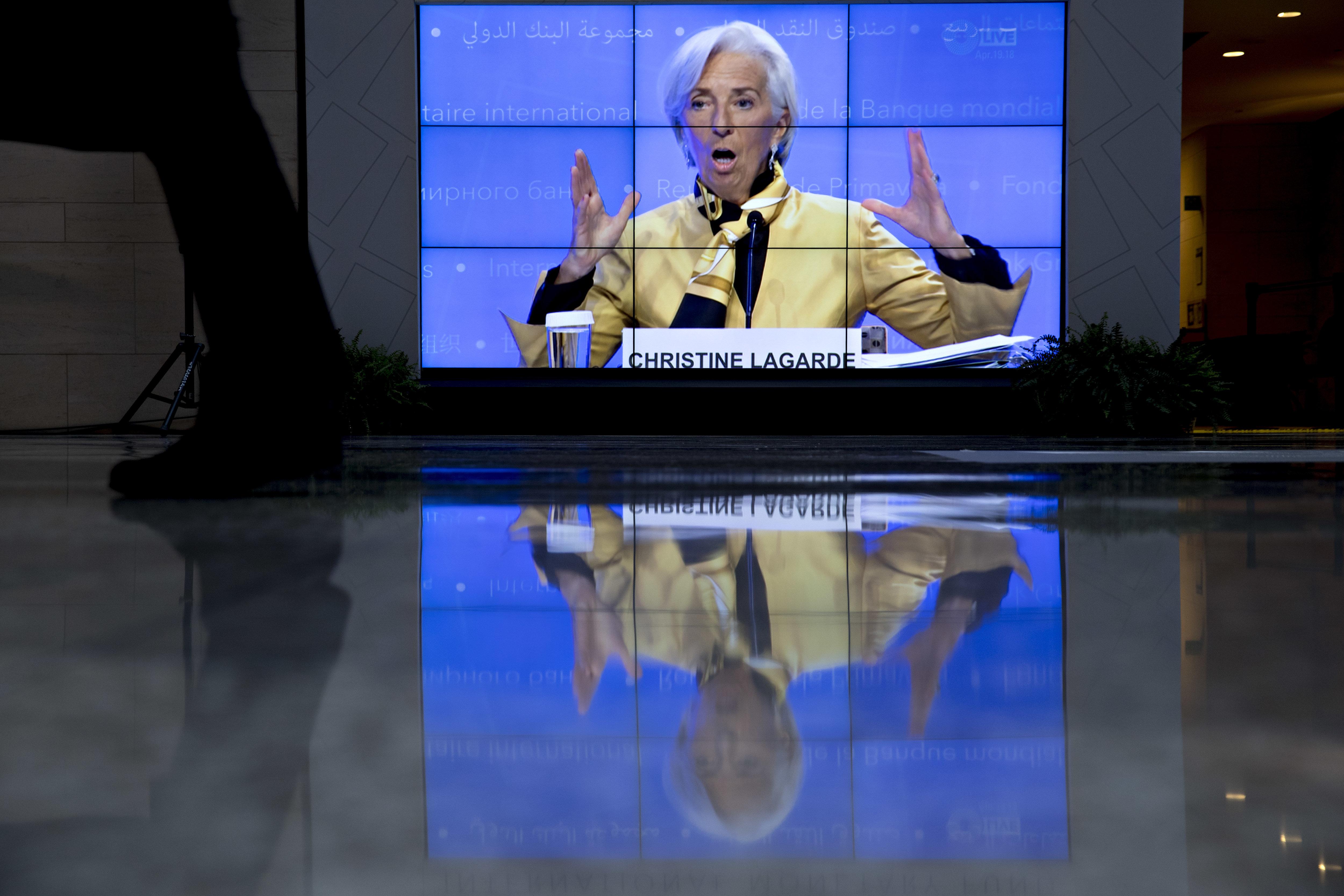 Λαγκάρντ: Οι αγορές δίνουν ψήφο εμπιστοσύνης στην Ελλάδα. Το Ταμείο δεν ζητά πλέον άλλες περικοπές δαπανών από την