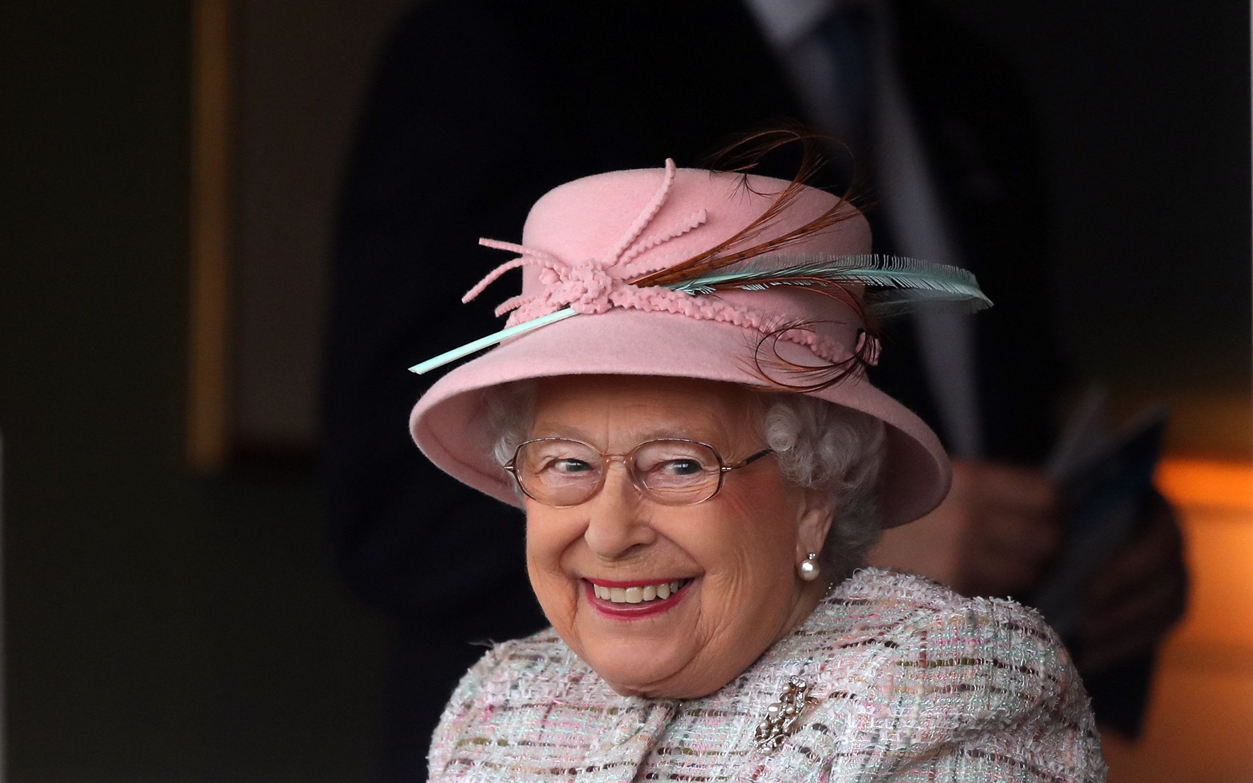 9 Regal Reasons Why The Queen Has Two