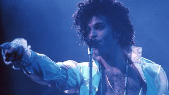 INGLEWOOD - FEBRUARY 19: Prince performs live at the Fabulous Forum on February 19, 1985 in Inglewood, California. (Photo by Michael Montfort/Michael Ochs Archives/Getty Images)