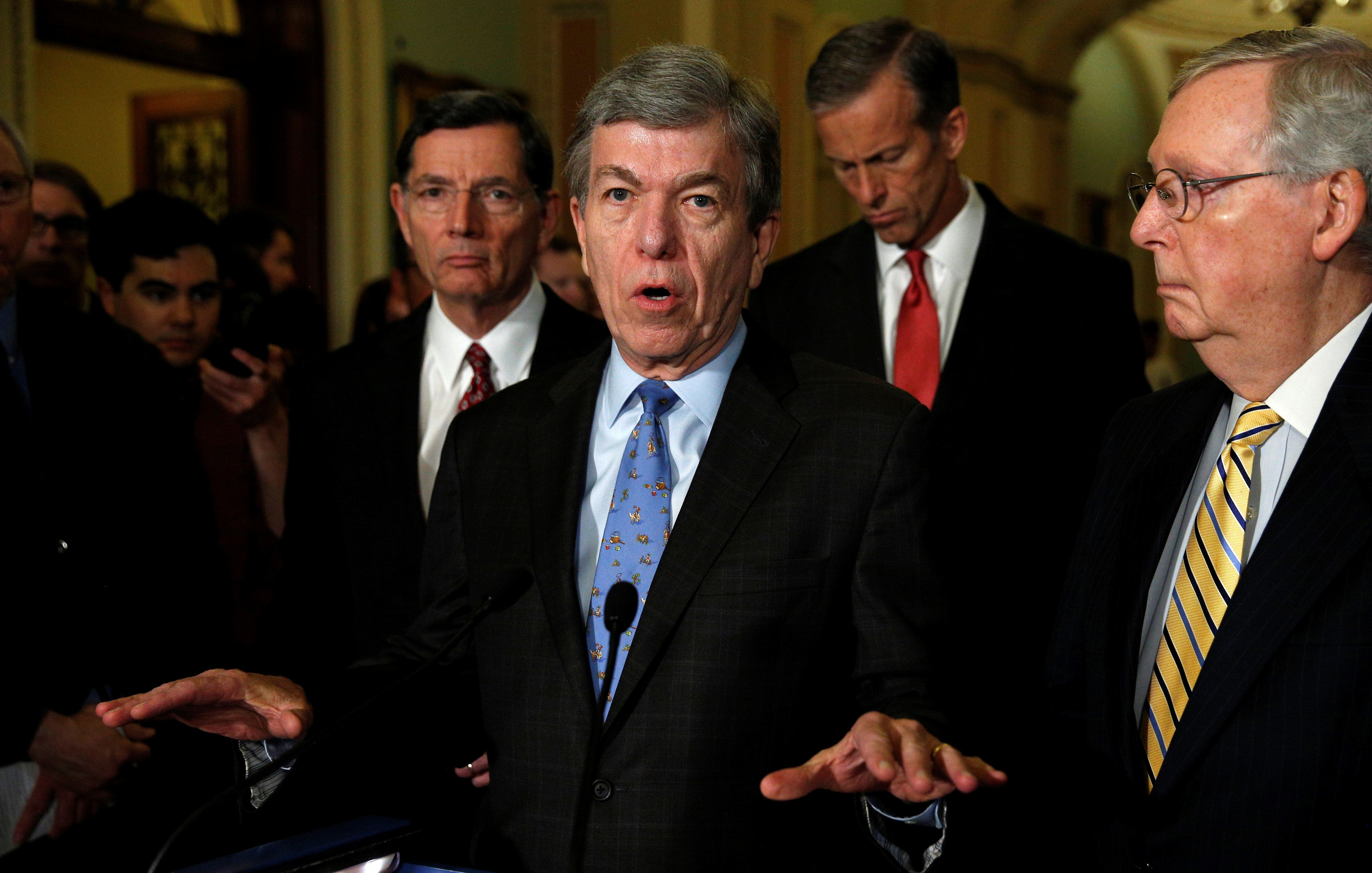 Senator Roy Blunt (R-MO) speaks to reporters in the U.S. Capitol in Washington, May 17, 2016. REUTERS/Kevin Lamarque