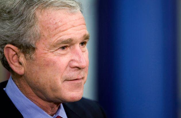 Ο Τζορτζ Μπους ο νεότερος πλέκει το εγκώμιο του