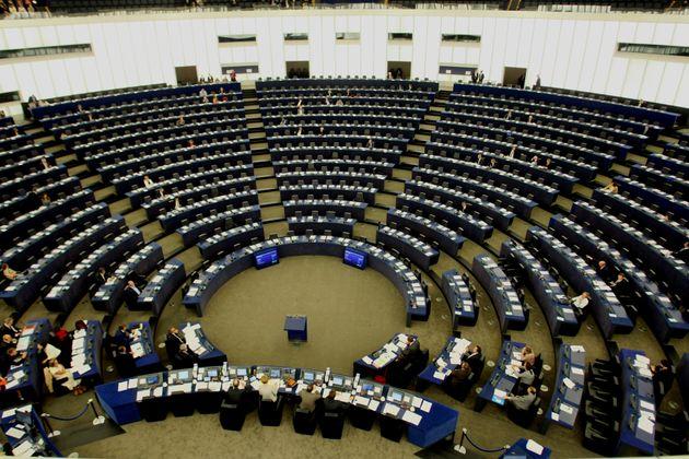 Οι επτά ευρωβουλευτές που καταψήφισαν το αίτημα απελευθέρωσης των ελλήνων