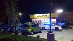 Τέσσερις νεκροί από επίθεση γυμνού ενόπλου σε κατάστημα Waffle House στο