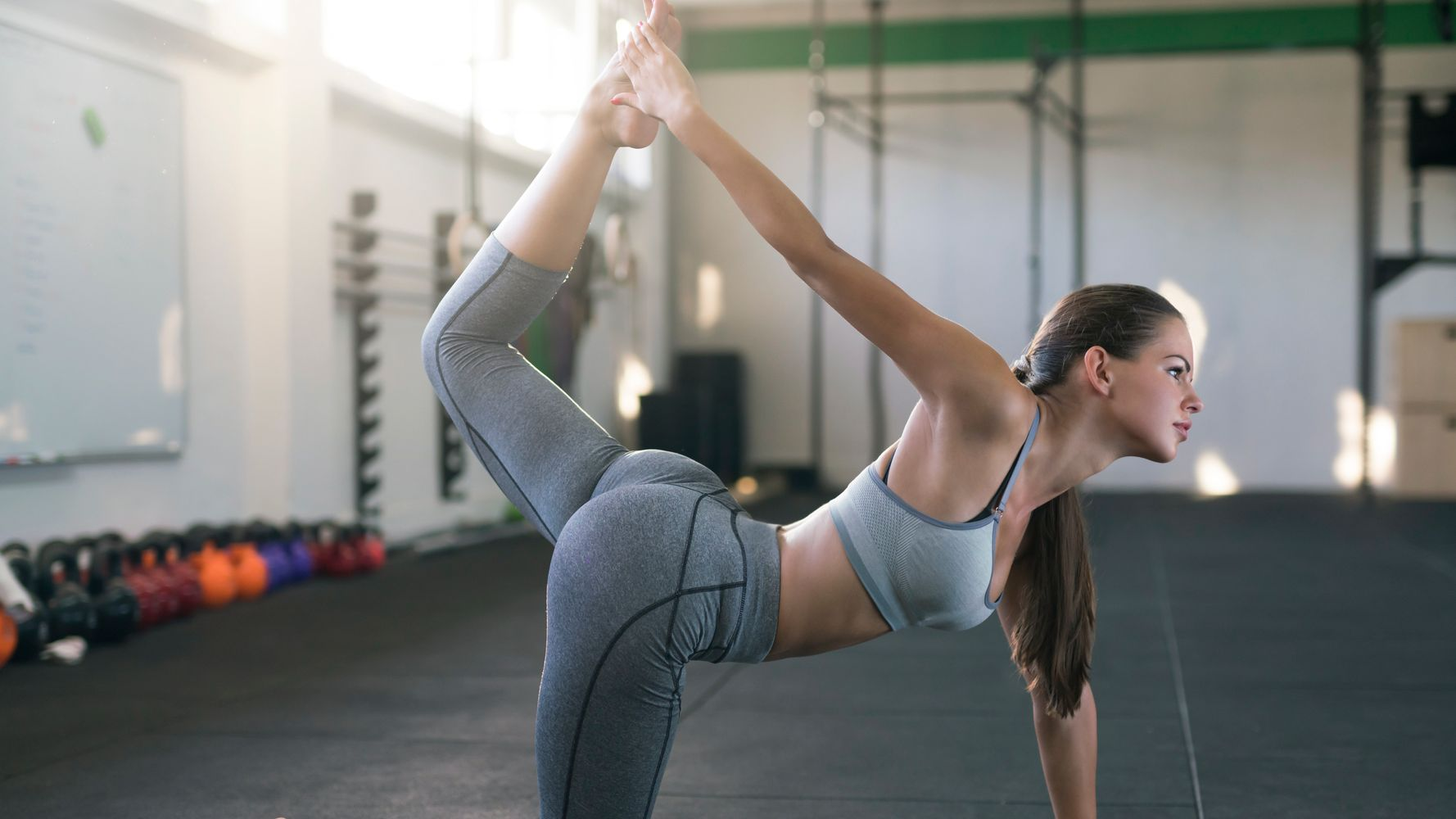 Girls in panties lifting weights Should You Be Wearing Underwear With Your Workout Leggings Huffpost Life