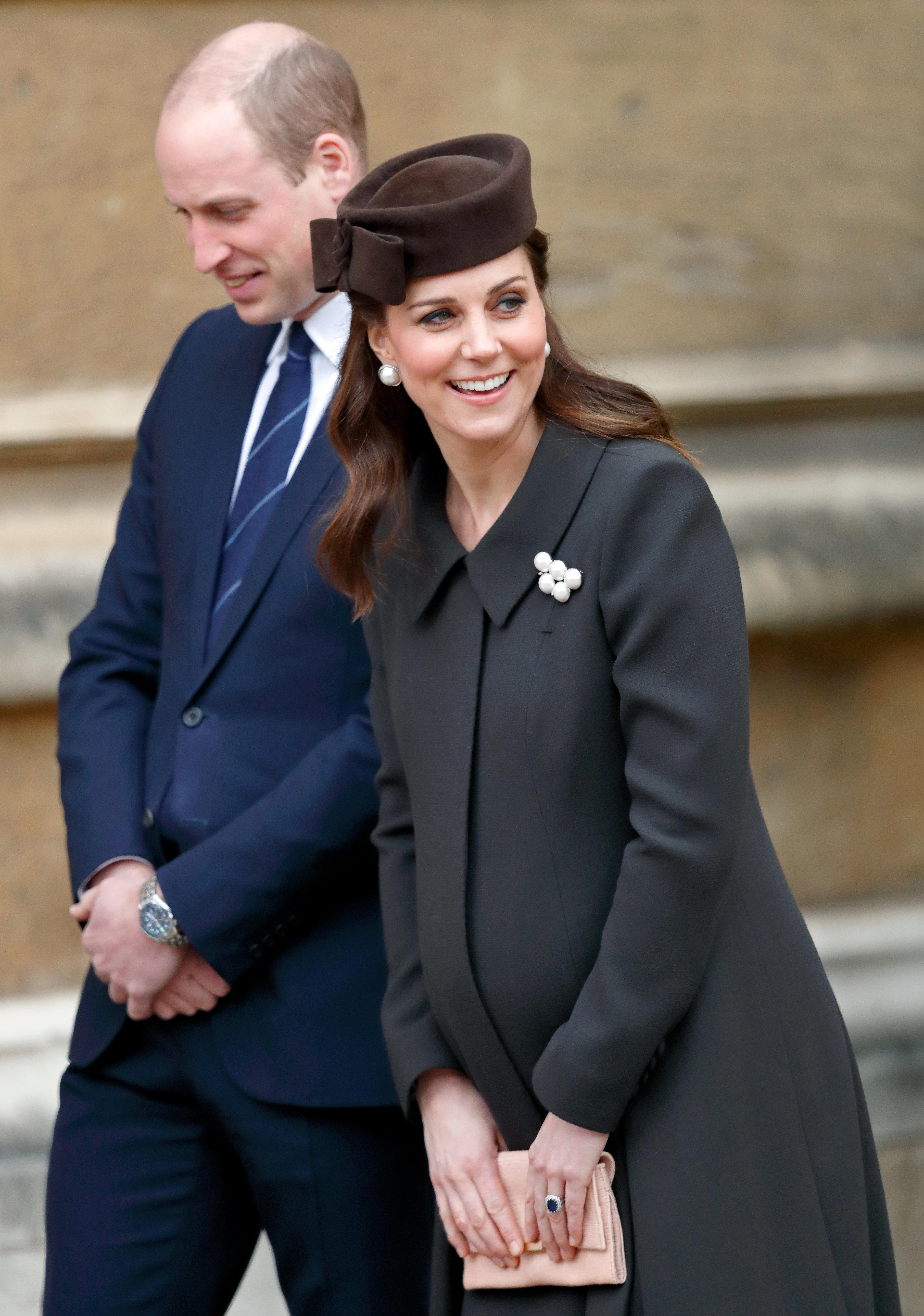 Kate und William vor dem Krankenhaus: Erste Bilder des neugeborenen Prinzen sind