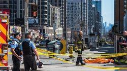 캐나다 토론토에서 밴이 돌진해 보행자 9명