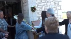 Τρελό σκηνικό σε εκκλησία. Παπαδιά, ουρλιάζει και αρπάζει από τους πιστούς την εικόνα του Αγ.Γεωργίου για να μην γίνει