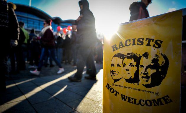 Η θεωρία της Νέας Δεξιάς - Ταιριάζει στην περίπτωση της Αυστρίας και της