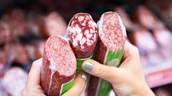 Frau will Würstchen kaufen – bis sie ein ekliges Detail auf der Packung