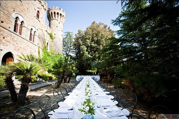 "This <a href=""https://www.airbnb.com/rooms/13464"" target=""_blank"">stunning castle once belonged to the famous Borgi"